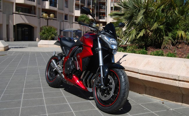 Honda CB1000R Red Line